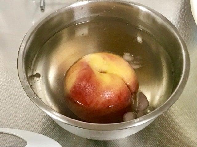 桃の皮の湯剥き
